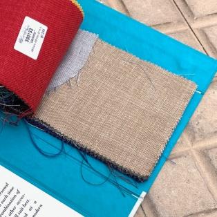 Un mélange laine, lin et soie chez Caccioppoli, simple et raffiné, mon choix bis peut-être.