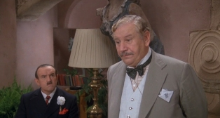 Peter Ustinov as Hercule Poirot 1