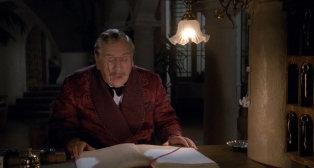 Peter Ustinov as Hercule Poirot dressing gown 1